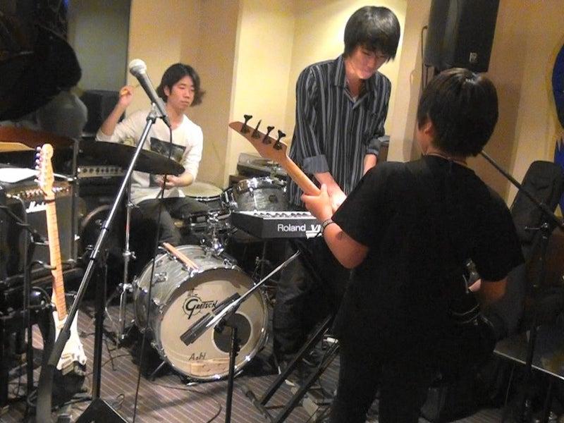 バンド演奏・チキン