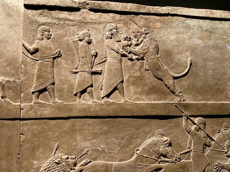大英博物館 アッシュールバニパ...