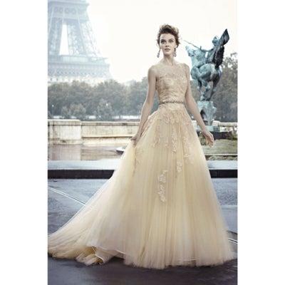 インポートウェディングドレス販売 2019 夏婚の記事に添付されている画像