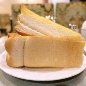 極めて厚い極厚焼トーストモーニング 珈琲王城