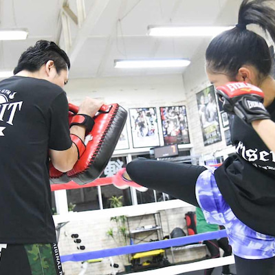 女性限定キックボクシングフィットネスの記事に添付されている画像