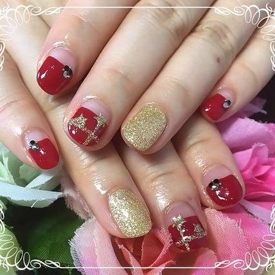 赤×星のプチクリスマスネイルの記事に添付されている画像