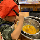 子どもたちでクリスマスケーキ作り!の記事より
