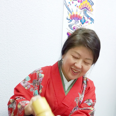 紅いひっしー。@琉球茶道ぶくぶく茶館の記事に添付されている画像