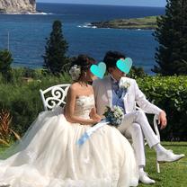 お母様手作りのブーケを持って♡ハワイの素敵なお2人の記事に添付されている画像