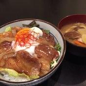 【昨日の晩ごはん☆豚バラ丼 with 温泉卵ー!】
