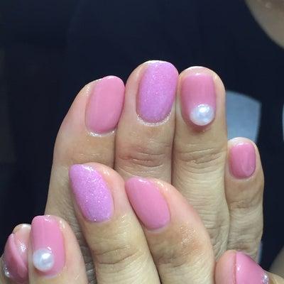 ピンクのワンカラー シンプルネイルの記事に添付されている画像