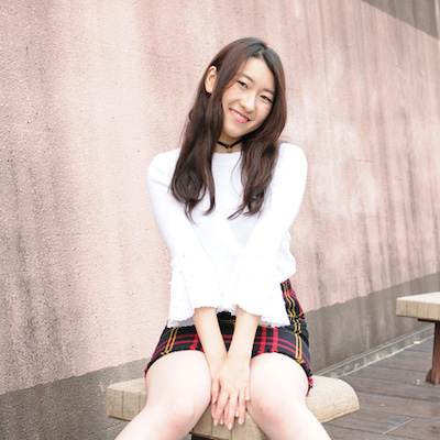 今日はコレ!19歳ミニスカ美脚の女子大生。の記事に添付されている画像