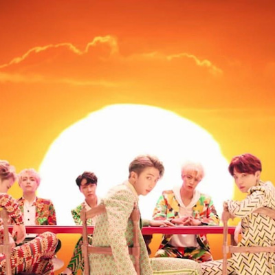 BTSのIDOL、3億回視聴達成❤の記事に添付されている画像