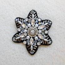 雪の結晶ブローチの記事に添付されている画像