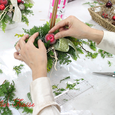 フレッシュグリーンの香りに癒されて♪ 初めてのクリスマスキャンドルアレンジメントの記事に添付されている画像