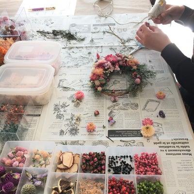 もこもこピンクの三日月リースの記事に添付されている画像