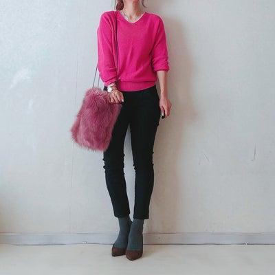 UNIQLOオンラインでお買い物とピンクニットの記事に添付されている画像