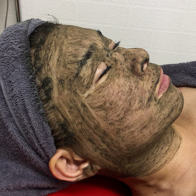 シミに特化したトリートメント~皮膚再生専門サロンLuNaの記事に添付されている画像