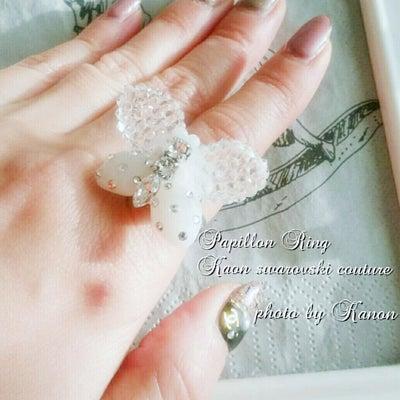 冬のコーデにもぴったり♡スワロフスキークチュール パピヨンリング♡の記事に添付されている画像