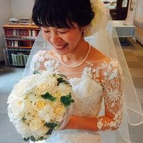 シンプルなスタイルで魅せる♡教会式花嫁Styleの記事に添付されている画像