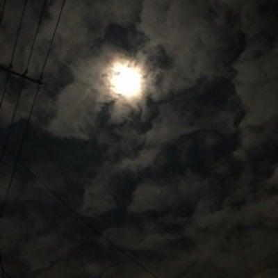 平成最後の満月だっての記事に添付されている画像