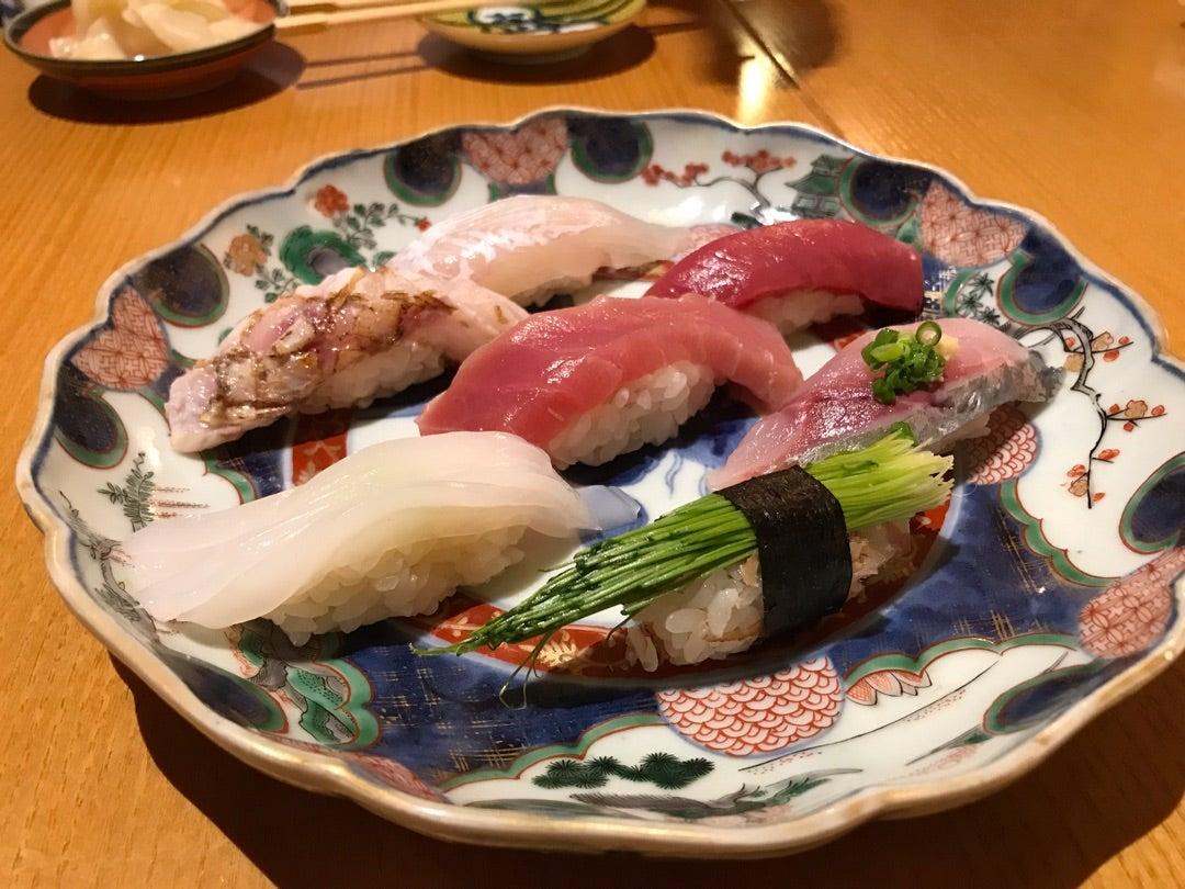男40代、カジュアルに寿司を楽しむ!