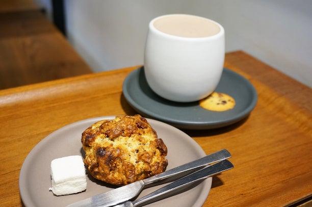 蔵前 Dandelion Chocolate FACTORY&CAFE 蔵前 スコーン