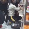 ▼唸声日本写真/中国の美人女優が新宿のドラッグストアでおばさんスタイルのお買い物の画像