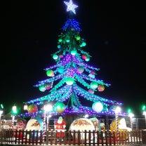 ボルドーのクリスマスツリー型メリーゴーラウンドの記事に添付されている画像
