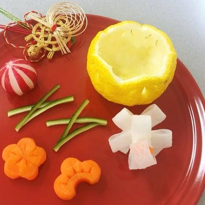 12月♪神戸・北野教室✨と、おせちに使えるカービングレッスンの記事に添付されている画像