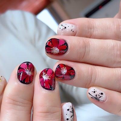 年越しネイル 椿の花の記事に添付されている画像