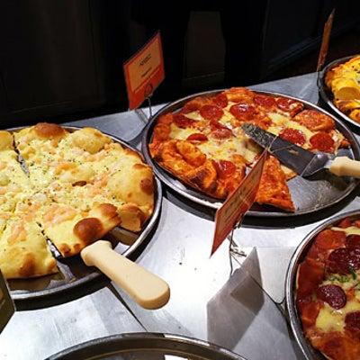 シェーキーズのピザ食べ放題は進化しているの記事に添付されている画像