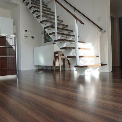 ウワサの床ボッコ問題。4年住んだ床の現実〜閲覧注意〜の記事に添付されている画像