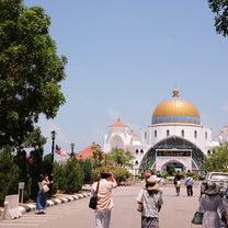 マラッカ海峡モスクの記事に添付されている画像