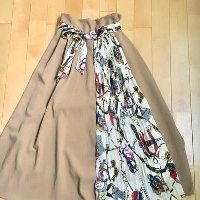 【しまむら】スカーフ柄が可愛すぎる♡高見えロングスカート…♪の記事に添付されている画像