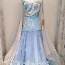 セール速報!気になるドレスのお値段はいかに?の記事に添付されている画像