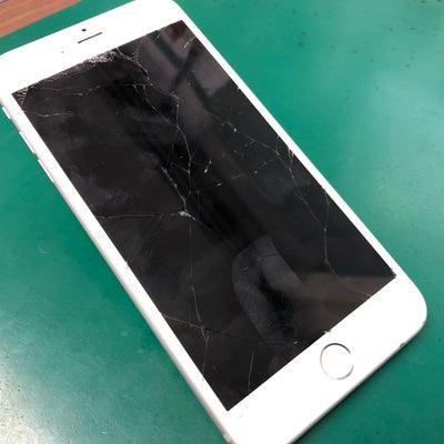 iPhone6Plus買取!画面バキバキで不動・・・でもOKです!の記事に添付されている画像