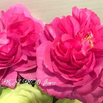 生花を贅沢に使ったウエディングフラワーコースの記事に添付されている画像