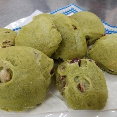 抹茶甘納豆パンを作りました。次回は2/12バレンタイン用の記事に添付されている画像