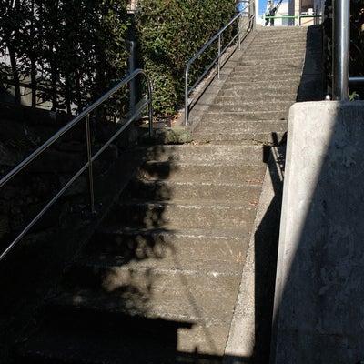 高輪の路地裏に潜む階段の記事に添付されている画像