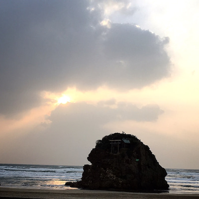 稲佐の浜にての記事に添付されている画像