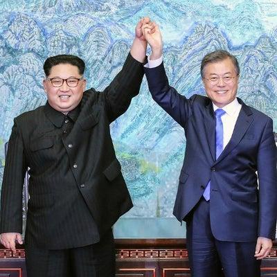 「北朝鮮は敵」、日本と「価値共有」記述削除 文政権初の国防白書の記事に添付されている画像