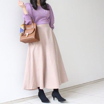 【春カラーの褒められニット♡】上品なフェミニンコーデ!の記事に添付されている画像