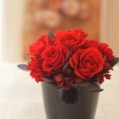 【リクエストレッスン】真っ赤なバラが素敵なアレンジの記事に添付されている画像