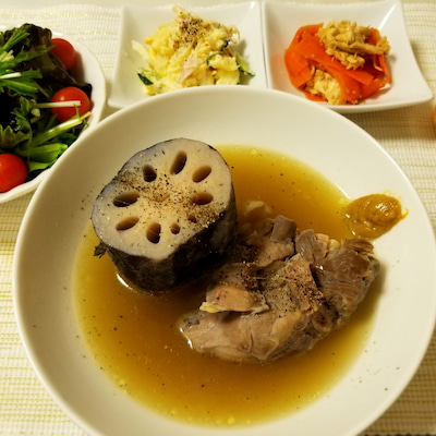 12:00~12:30 烏龍茶 れんこんの姿煮ポトフ ポテトサラダ ナムル トマの記事に添付されている画像