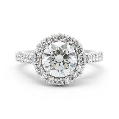 ゴージャスな婚約指輪の記事に添付されている画像