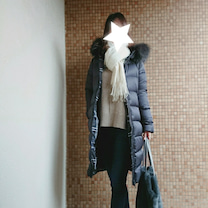 ママコーデ*こっくりニットでデニムコーデ♡春まで使える痛くならない美脚パンプス!の記事に添付されている画像