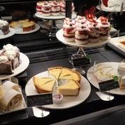 スタバ 3店舗限定ケーキも