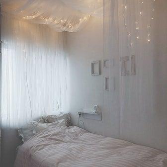 娘部屋完成!あこがれの天蓋付きベッドサイド♡