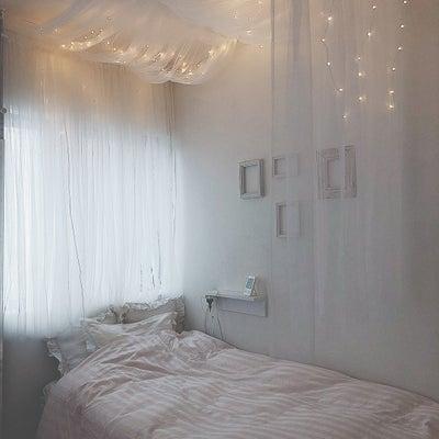 娘部屋完成!あこがれの天蓋付きベッドサイド♡の記事に添付されている画像