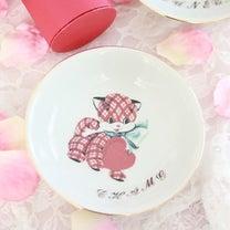 バレンタインに合う!? 猫ちゃん用の食器の記事に添付されている画像