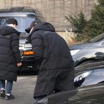 ユノとチャンミンのダウンコートの記事に添付されている画像