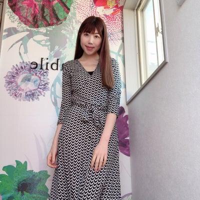【スタッフ着画】NYブランドレオタLeota、白×黒で使いやすい!大人プリントワの記事に添付されている画像