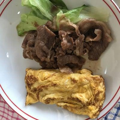餅の砂糖醤油と香川県産肩ロースすき焼き用牛肉とレタスとたまご焼きの記事に添付されている画像
